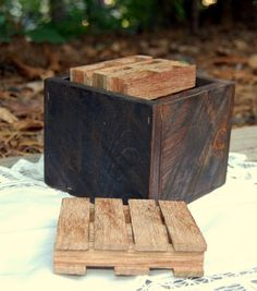Pallet Coaster Set From Recycled Pallet/ by LooneyBinTradingCo
