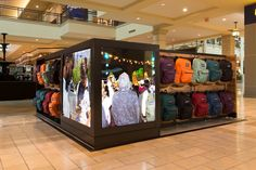 Agency: Twenty Four 7 Client: JanSport JanSport Retail Kiosk