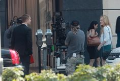 Rob with Julianne Moore on MTTS set 8-18-13 (7)