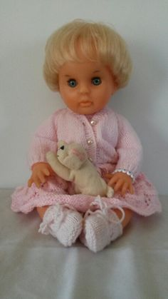 This is a really beautiful face. Also previously abused, but I have fixed and she is just stunning. Knitting Dolls Clothes, Knitted Dolls, Doll Clothes, Doll Patterns, Clothing Patterns, Knitting Patterns, No One Loves Me, Vintage Dolls, Larger