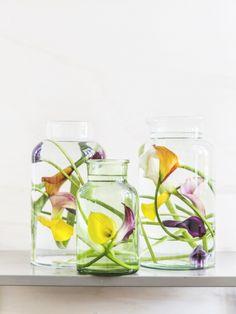Callas in Vasen unter Wasser sehen einfach einfach toll aus! #tollwasblumenmachen #flower