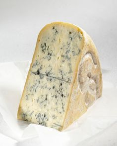 Bleu de Gex French Cheese // Region : Haut Jura - Franche Comté // milk : cow // (queso frances)