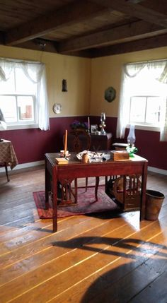 When Calls the Heart. Elizabeth's Desk in her house.