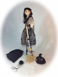 Wicked witch Vivi by Mimi Haraposita, hand made cloth doll.
