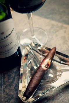 Forever A Gentleman Whisky, Cigars And Whiskey, Cigar Reviews, Coffee With Alcohol, Cigar Art, Cigar Club, Premium Cigars, Cigar Accessories, Cigar Smoking