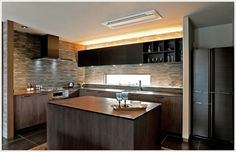 L型キッチン+アイランドカウンターの広々ダイニングキッチン [特集]住まいかた暮らしかた 暮らしのレター Floor Plans, Interior Design, Table, Room, Kitchens, Furniture, Space, Home Decor, Mirrors