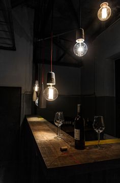 #afterworkdrinks Afterwork drink with concrete lamp by LHK-Manufaktur #concretelove #handwerk #handmadeisbetter #handmadeingermany #crafts #craftsmanshipmatters #craftsmanship #craftdesign #productdesigner #concretefurniture #furnituredesigner #concretedesign #lampsoverthebar #ironyhome #interior_hunter #mallorcainteriours #mallorcahome #münchen #schweiz #tischlermeisterin #lhkmanufaktur #interior4you #interiormagazine #handwerkerin #carpenter #werkstatttagebuch #interior_manufaktur
