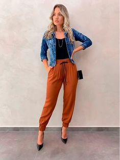 woman outfits that will make you look cool 7 Classy Outfits, Casual Outfits, Cute Outfits, Casual Summer Outfits For Work, Look Fashion, Fashion Outfits, Womens Fashion, Fashion Trends, Woman Outfits
