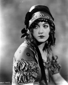 hollywood walk of fame: Hollywood greats: Marion Davies Old Hollywood Movies, Old Hollywood Stars, Hollywood Icons, Old Hollywood Glamour, Vintage Glamour, Vintage Hollywood, Vintage Beauty, Hollywood Actresses, Classic Hollywood
