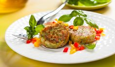 Delicious India-Inspired Vegetable and Potato Cutlets Veg Recipes, Vegetarian Recipes, Healthy Recipes, Potato Cutlets, Healthy Snacks, Healthy Eating, Cutlets Recipes, Clean Eating Tips, Vegetarian Main Dishes