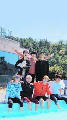Aww the whole happy family Got7 Yugyeom, Got7 Mark Tuan, Jaebum Got7, Got7 Jackson, Jackson Wang, Shotokan Karate, Kenpo Karate, Kyokushin Karate, Ralph Macchio