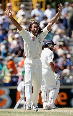Andrew Symonds appeals against Sachin Tendulkar, Australia v India, 3rd Test, Perth, 1st day, January 16, 2008  200th.in