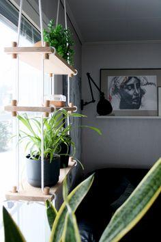 Sisustuspainotteinen blogi skandinaavisella otteella. Mukana ruokajuttuja ja kaikenlaista värkkäilyä DIY-hengessä. Plant Leaves, Living Room, Plants, House, Ideas, Home, Home Living Room, Drawing Room, Plant