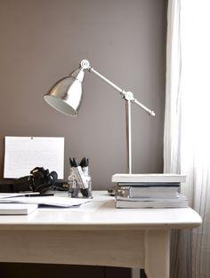 Jotun solid Desk Lamp, Table Lamp, Work Surface, Home Studio, Modern Kitchen Design, Home Office, The Originals, Interior Design, Simple