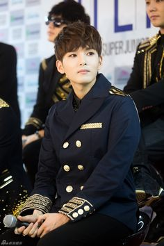 Ryeowook my SJ bias (he's like 30 though  and I'm 18 I would never come even close to having a chance with him T^T)