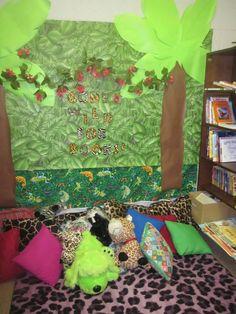 Decora un espacio de la clase para que los niños se puedan sentar a leer. Crea tu rincón de lectura en el aula