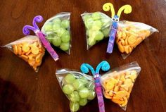 19 Easy And Adorable Animal Snacks To Make With Kids Babysitters and parental units, meet your new secret snack weapon. Healthy Party Snacks, Cute Snacks, Snacks Kids, Preschool Snacks, Butterfly Snacks, Fish Crackers, Kid Friendly Meals, Toddler Crafts, Kids Crafts
