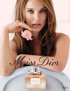 Natalie Portman para Dior. Video publicitario de Sofia Coppola (2013) http://www.youtube.com/watch?feature=player_embedded=-xC3cMxs-WQ