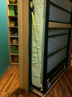 Bookcases transform into Murphy Bed This is by far the coolest murphy bed and Ikea Hack that I have ever seen.This is by far the coolest murphy bed and Ikea Hack that I have ever seen. Queen Murphy Bed, Murphy Bed Plans, Murphy Beds, Murphy Bed Bookcase, Cheap Murphy Bed, Cama Murphy, Murphy-bett Ikea, Diy Bett, Ikea Hackers
