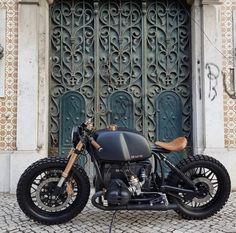 Bmw Cafe Racer, Custom Cafe Racer, Bike Bmw, Cafe Racer Motorcycle, Bmw Motorcycles, R Cafe, Cafe Bike, Bobbers, K100 Bmw