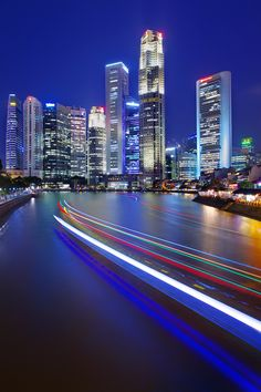 From Elgin Bridge, Singapore. Singapore Travel, City State, City Lights, Nature Pictures, Garden Plants, Travel Inspiration, New York Skyline, Skyscraper, Places To Go