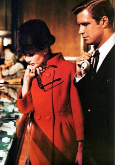 Audrey Hepburn & George Peppard shopping at Tiffany's