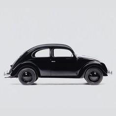 Monochrome Volkwagen Beetle. Black on Black on Black. Car inspiration. ANALOG|DIALOG