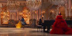 Il video di La Bella e la bestia con Ariana Grande e John Legend è magico come il film