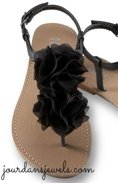 These black flower sandals are good for casual or dressy outfits! Perfect addition to any outfit!