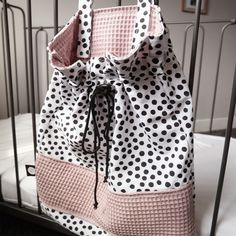 Boxkleden - Binnen-pret Diy Baby Gifts, Baby Box, Diy Sewing Projects, Handmade Baby, Baby Sewing, Easy Diy, Womens Fashion, Quilts, Waffle