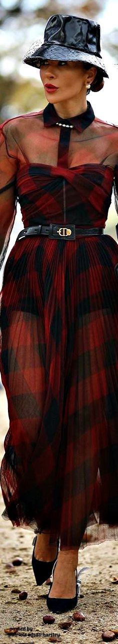 Christian Dior, Tartan Plaid, Hats For Women, Tweed, Street Style, Photo And Video, Elegant, Chic, Christmas Themes