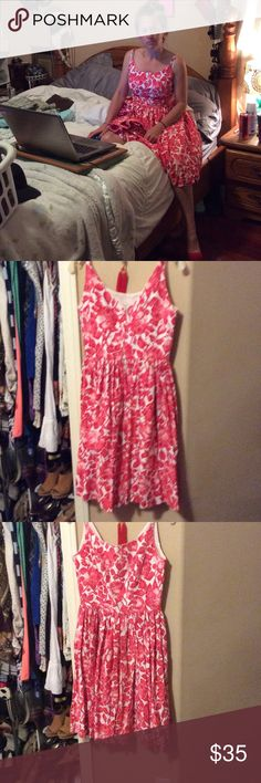 Vintage dress Red and white vintage-dress somebody's grandma made back zipper great condition. Dresses Midi