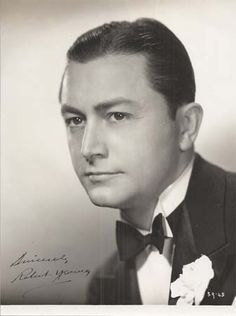 ROBERT YOUNG, one of my customers. He was very nice and a generous man. Hooray For Hollywood, Hollywood Icons, Hollywood Fashion, Hollywood Actor, Golden Age Of Hollywood, Hollywood Stars, Classic Hollywood, Old Hollywood, Classic Movie Stars