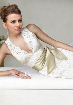 Ideal Mermaid V-neck Lace Wedding Dress