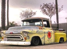 Hot Rod Trucks, Gm Trucks, Cool Trucks, Chevy Stepside, Chevy Pickups, 1959 Chevy Truck, F100, Lowered Trucks, Classic Pickup Trucks