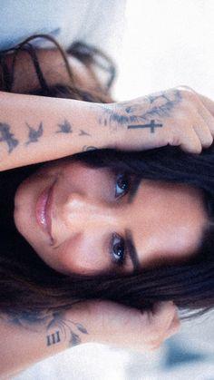 Selena Gomz, Demi Lovato Body, Yasmina Khadra, Demi Love, Demi Lovato Pictures, Wilmer Valderrama, Badass Aesthetic, Her Music, Woman Crush