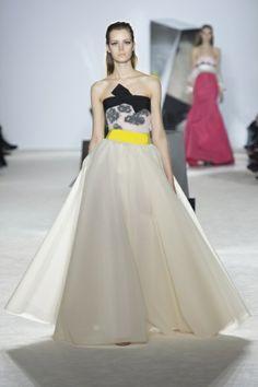 Sfilata Giambattista Valli Paris - Alta Moda Primavera Estate 2014 - Vogue
