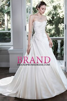 2016 Satin Wedding Dresses A Line Sweetheart With Applique And Ruffles Court Train