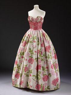 | Pierre Balmain, silk evening dress, 1957. Worn by Lady Diana Cooper.