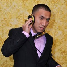If you want a local DJ who gives glow necklaces, CDs, balloons, shirts and more for party guests, choose Miguel Carino. He performs with light, smoke and laser equipment.