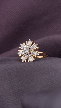 Radiating AZVA diamond ring in gold Gold Ring Indian, Indian Wedding Rings, Indian Engagement Ring, Antique Jewellery Designs, Gold Ring Designs, Gold Earrings Designs, Gold Jewelry Simple, Gold Rings Jewelry, Womens Jewelry Rings