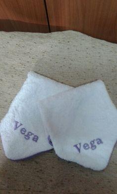 Toallas pequeñas, personalizadas.