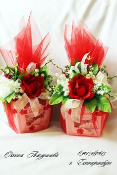 67 Trendy Ideas For Chocolate Bouquet Ideas Creative Flower Box Gift, Flower Boxes, Creative Gift Wrapping, Creative Gifts, Candy Flowers, Paper Flowers, Chocolate Flowers Bouquet, Valentine Day Gifts, Valentines