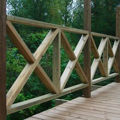 Itse tehty terassin kaide - Ohituskaistalla Wood Deck Railing, Garden Railings, Deck Railing Design, Cabin Decks, Cabin Porches, Decks And Porches, Manufactured Home Porch, Patio Under Decks, Enclosed Porches