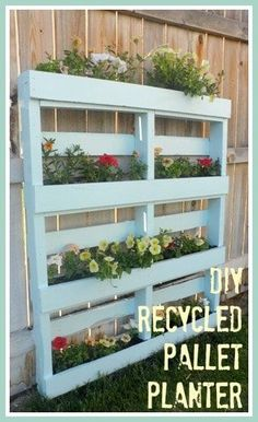 Two DIY Recycled Pallet Planters Two different ways to create a beautiful planter for flowers or herbs out of a recycled wooden pallet. The post Two DIY Recycled Pallet Planters appeared first on Pallet Diy. Wooden Pallet Projects, Wooden Pallet Furniture, Pallet Crafts, Diy Pallet, Diy Projects, Pallet Fence, Pallet Ideas, Wood Pallet Planters, Garden Ideas With Pallets