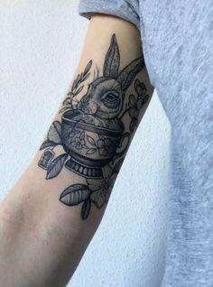 53 Super Ideas Tattoo Ideas Arm Alice In Wonderland Love Tattoos, Sexy Tattoos, Black Tattoos, Body Art Tattoos, Tattoo Drawings, Small Tattoos, Girl Tattoos, Tatoos, Piercings