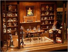 The Silver Shop (room box), displaying miniature sterling silver collection. Never going to happen but wouldn't it be great? Miniature Dollhouse Furniture, Miniature Rooms, Miniature Houses, Dollhouse Miniatures, Dollhouse Interiors, Victorian Dolls, Victorian Dollhouse, Minis, Silver Shop