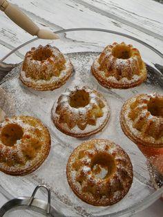 ORANŽOVÉ MRKVOVÉ BÁBOVIČKY Czech Recipes, Doughnut, Cupcakes, Czech Food, Cupcake Cakes, Cup Cakes, Muffin, Cupcake