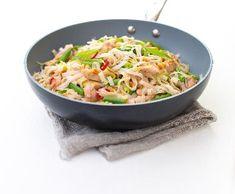 Asijské nudle s kuřecím masem | Recepty Albert Potato Salad, Potatoes, Fit, Ethnic Recipes, Vietnam, Potato