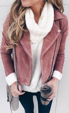 pretty cool winter outfit / pink jacket + bag + white sweater + skinnies